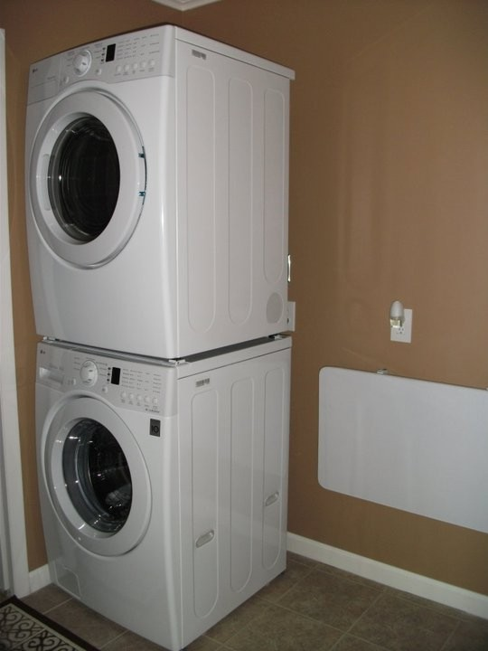 12-AFTER-ASB-Ugly-Bath-Darlene Wetzel-Washer&Dryer