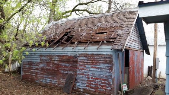 You Might Be Tempted To Tear Down This Garage And Start Over, But Thereu0027s A